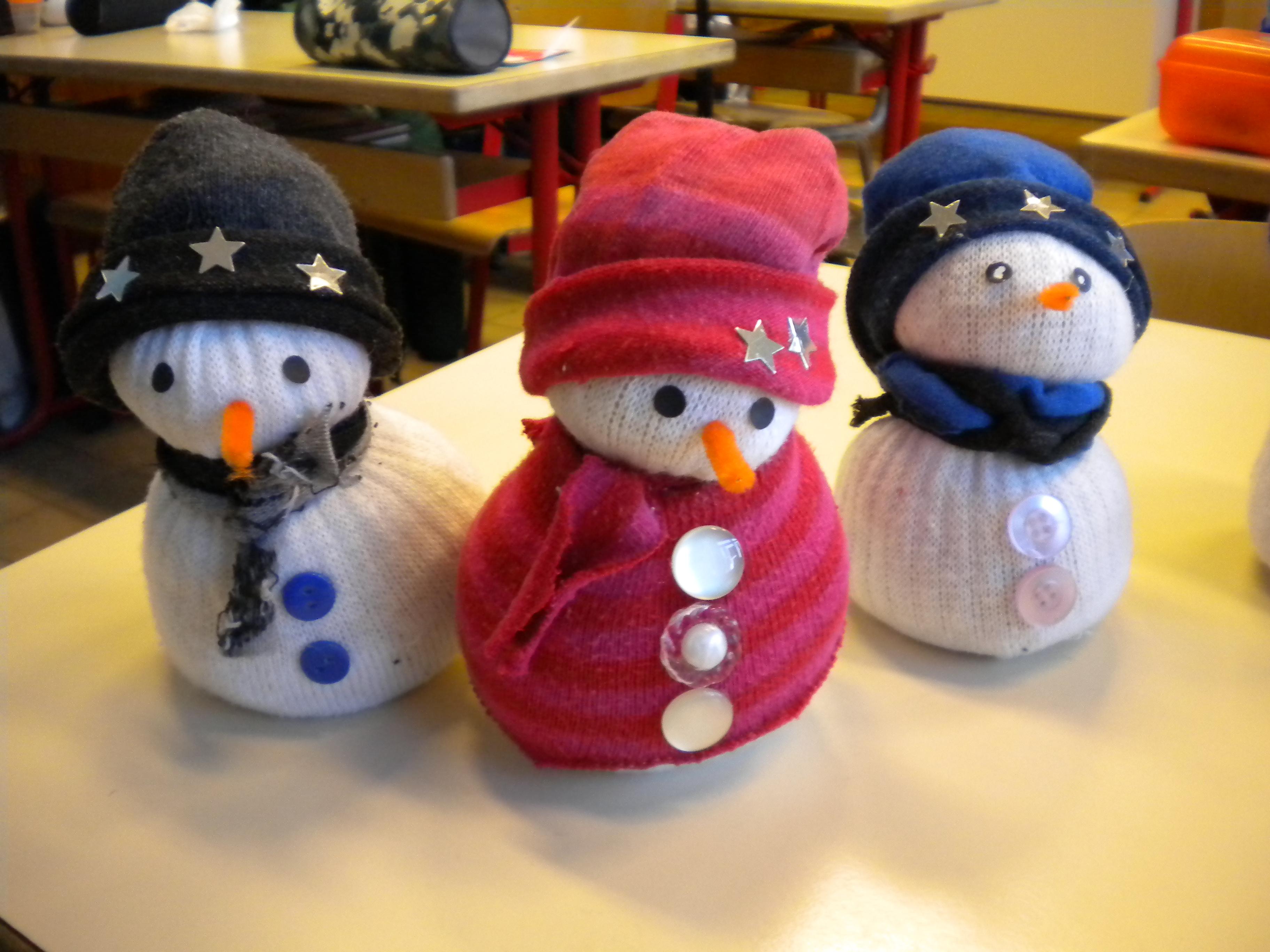 bricolage de no l le bonhomme de neige chaussettes un monde meilleur. Black Bedroom Furniture Sets. Home Design Ideas
